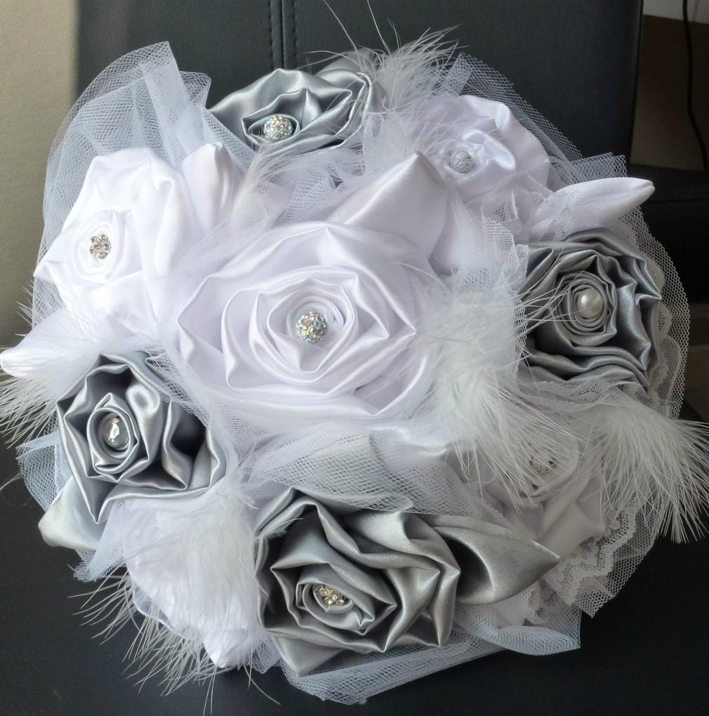 Bouquets de mari e en plumes et tissu - Bouquet de mariee artificiel original ...